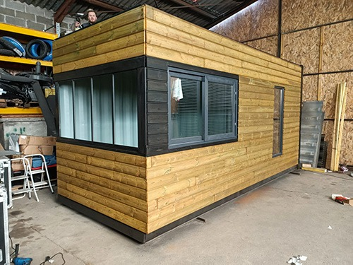 Pool House Container Boembox